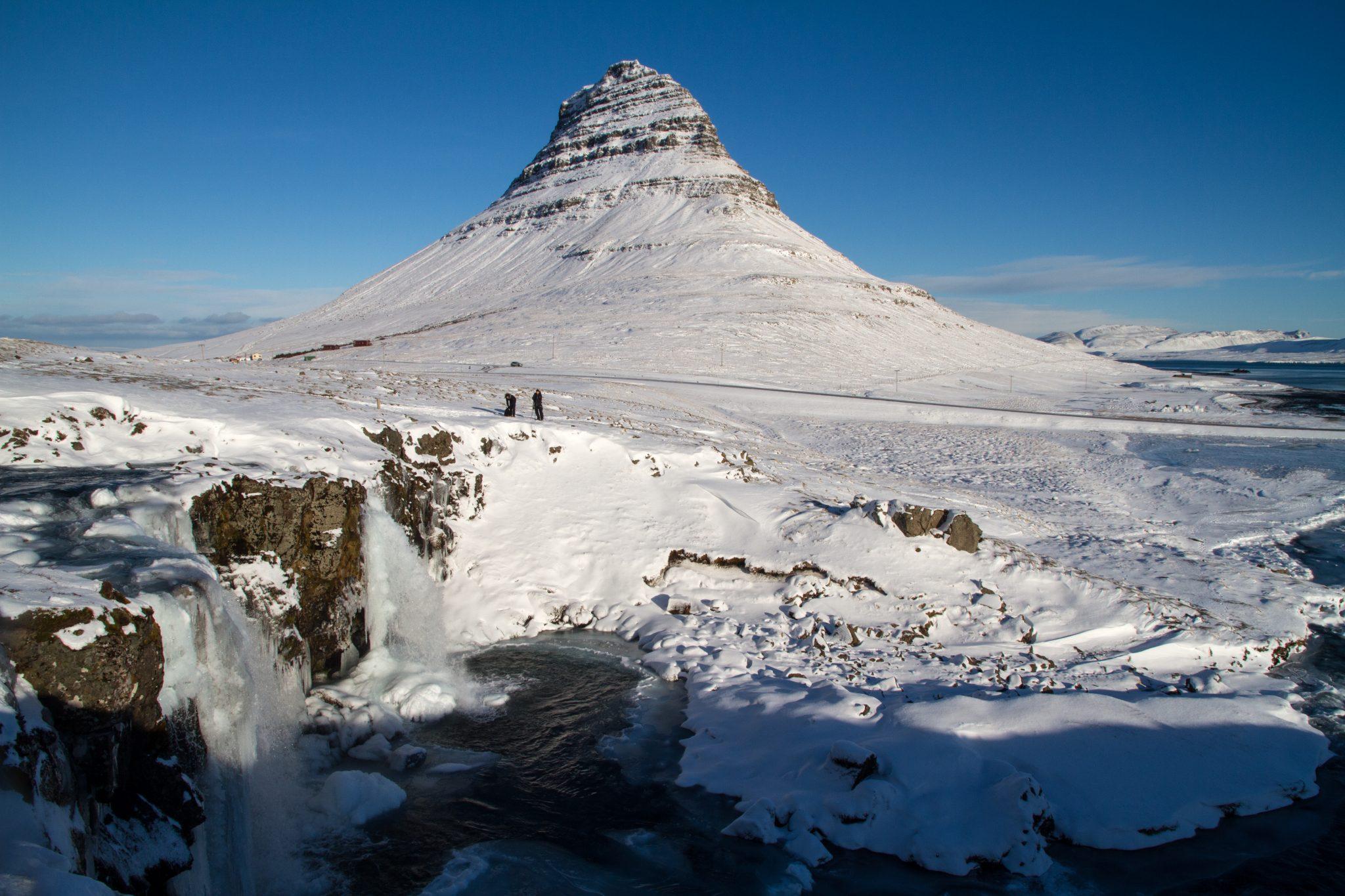 mount kirkjufell winter
